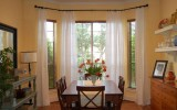 <b>5 Secrets To Decorate Bay Window</b>