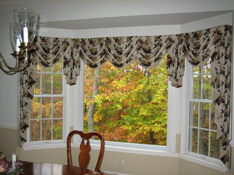 Bay Window Valance Ideas Homedecomastery