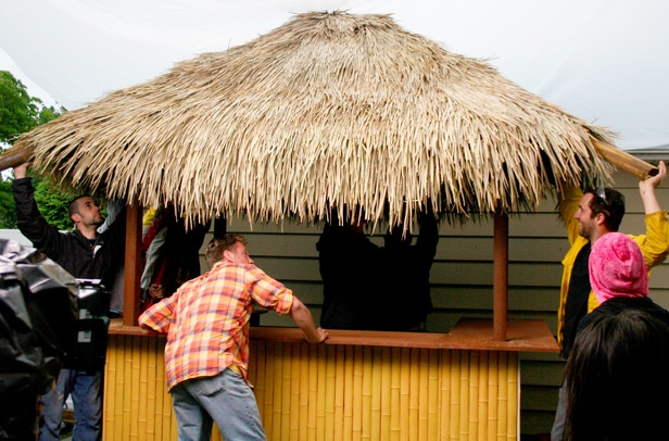 Building A Tiki Bar Roof