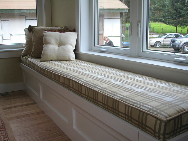 6 Steps To Make Custom Window Seat Cushions