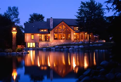 3 advantages of log home plans for Large luxury log homes