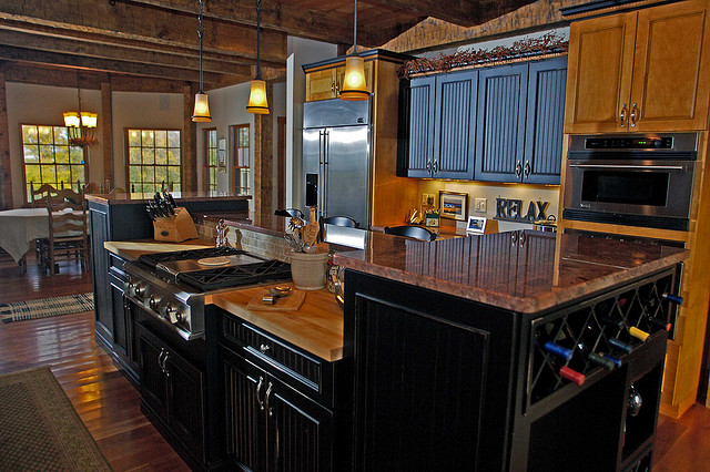 distressed black kitchen cabinets pictures - Black Kitchen Cabinets Pictures