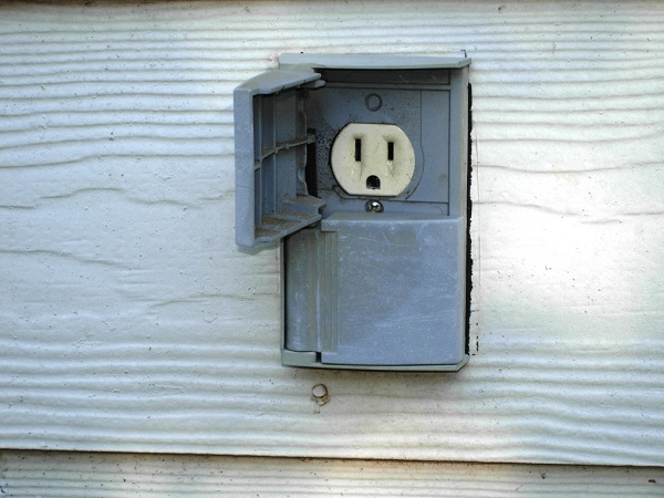Tips to install exterior electrical outlet How to install exterior electrical outlet