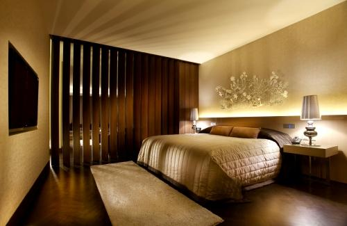 Tips to decorate bedroom like best hotel room design for Top 10 design hotels