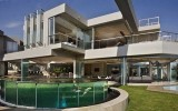 <b>8 Important Things Of  Contemporary Glass House Designs</b>