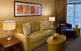 <b>Tips To Decorate Bedroom Like Best Hotel Room Design</b>