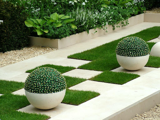 Luxury Garden Lighting