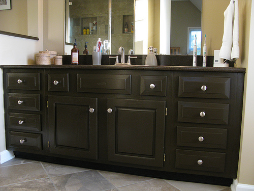 7 types of bathroom cabinet doors