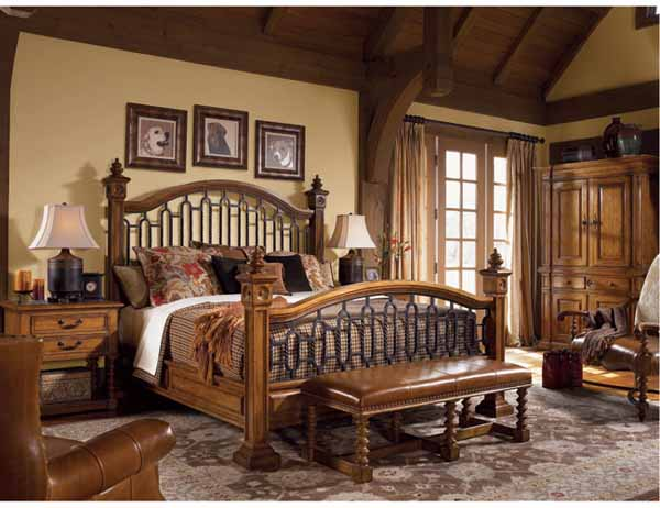 Tips to complete traditional wooden bed designs for Wooden bed interior design