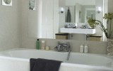<b>4 Crucial Aspects For Small Bathroom Decoration</b>