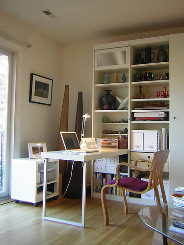 Practical choices of small office furniture collections for Small home office furniture ideas