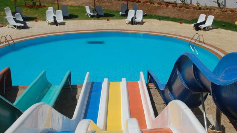 Create the best private swimming pools in house for Best home swimming pools