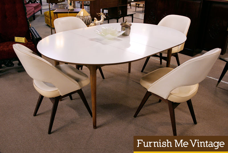 Modern White Oval Dining Table : Modern White Oval Dining Table from homedecomastery.com size 800 x 536 jpeg 89kB