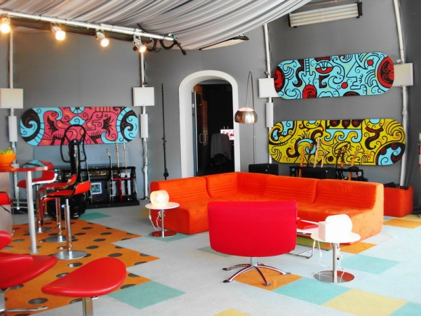 Bright Colors for the Living Room
