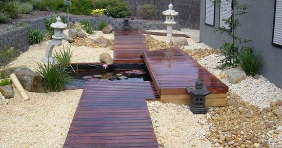 Centerpiece for front yard ideas easy ways for Fish ponds melbourne