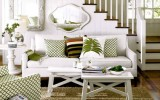 <b>Furnishing Small Living Room Creatively and Carefully</b>