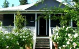 <b>Modern Weatherboard House Design Idea with Glasses</b>