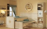 <b>Teenage Girl's Bedrooms with High Bed</b>