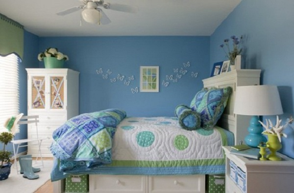 Teenage Girls Bedrooms with High Bed